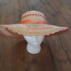 Vintage - Tan Straw Flower Sun Hat